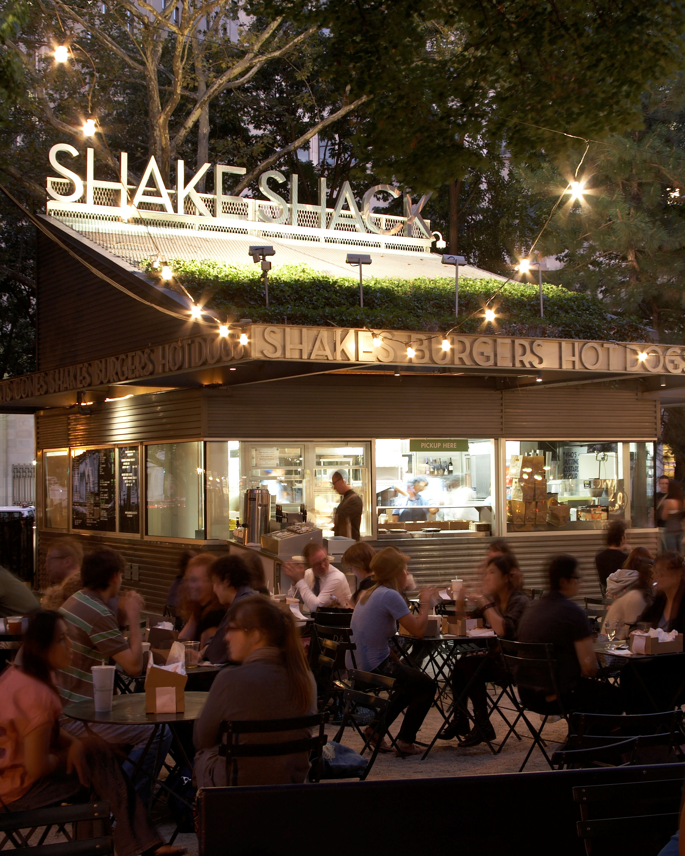 Madison Square Park Shake Shack. Photo by William Brinson