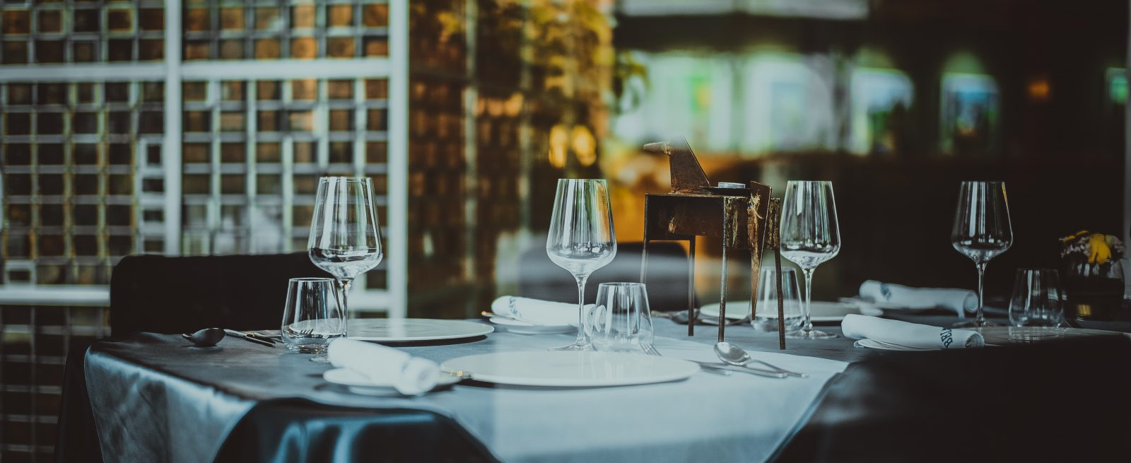Dining Etiquette A Restaurant Guide To Setting Informal